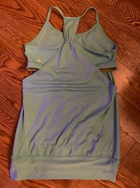 LULULEMON ATHLETIC TOP SIZE 10 North Dumfries, N0B 1E0