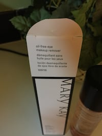 Makeup remover .