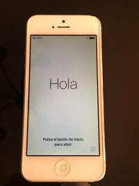 iPhone 5 16 GB White UNLOCKED Toronto, M2R 2K9