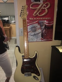 Vintage 1980's Hondo Deluxe Series 760 Stratocaster Electric Guitar for sale Coquitlam, V3K 6Z3