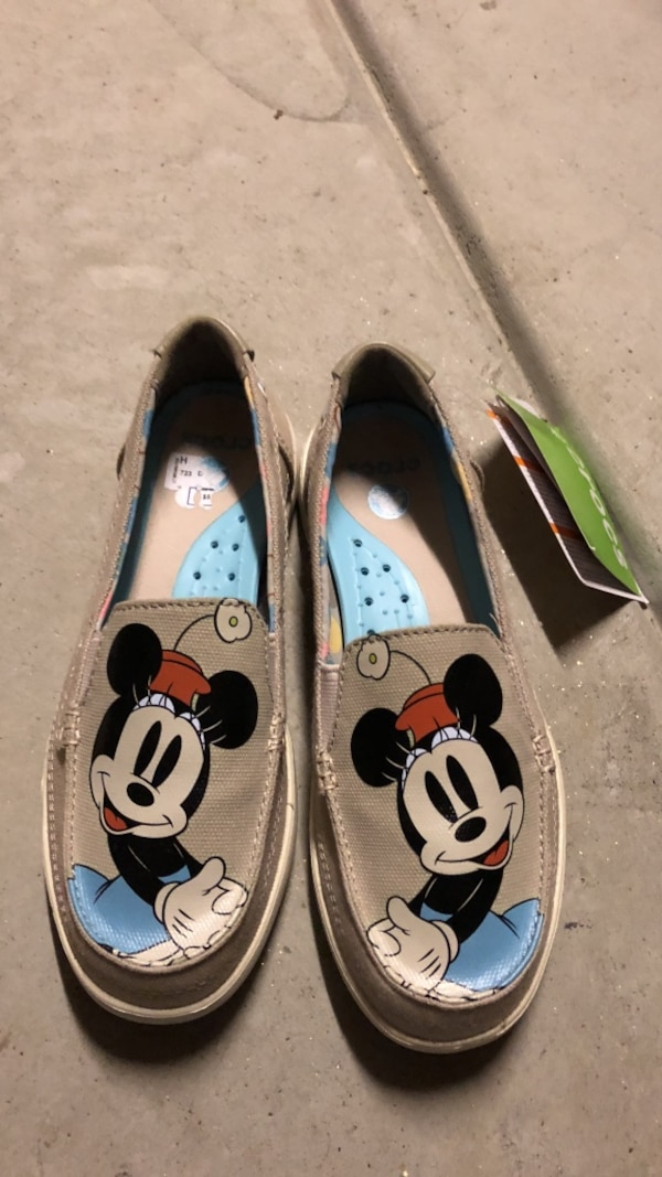 324c6f71abef Used New with tag Mickey Mouse crocs shoes size six for sale in Fresno -  letgo