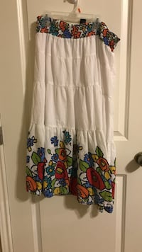 Patterned Skirt size large Lubbock, 79423