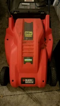Black and Decker Lawn Mower - Cordless / Battery P
