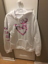 White and pink realtree pullover hoodie jacket 1410 km