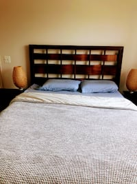 Beautiful Bedroom Set for Sale (Moving  Out Sale) ARLINGTON