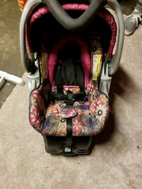 baby's black and red floral car seat carrier North Highlands, 95660