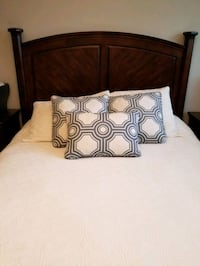 Queen Bed Set Brampton