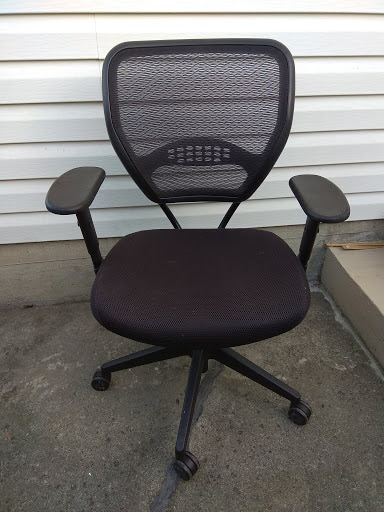 Used Office Star Adjustable Mesh Desk Chair from Staples for sale in Vancouver - letgo & Used Office Star Adjustable Mesh Desk Chair from Staples for sale in ...