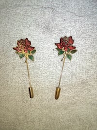 two red rose patches 2268 mi