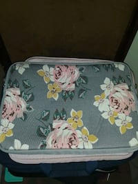 white and pink floral print laptop case  Wilmington, 19801