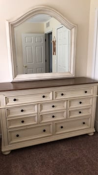 white wooden dresser with mirror Shelby Township, 48316