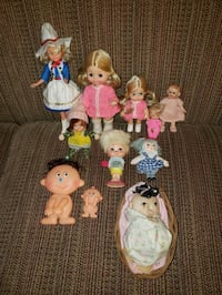 11 Different Dolls