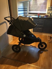 Vosi vinter pose and baby city elite Baby jogger. In very good condition, only used as sleeping pram in kindergarten and never used on the road.