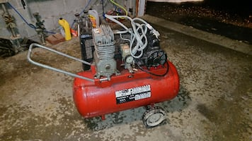 4 hp., 20 gallon, 220 volt 4hp motor Craftsman air compressor,  9.3 cfm @ 40 psi, 7.7 cfm @ 90 psi.