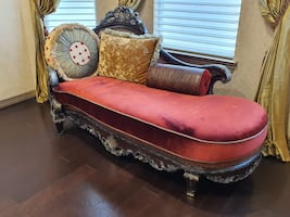 Beautiful barely used chaise (loveseat).