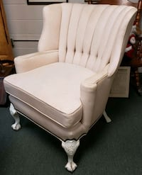 Restored Upholstered Early 20th Century English Wingback Armchair Elmwood, 70123