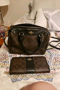 Authentic coach purse and matching wallet Edmonton, T5X 0A5