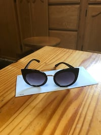 Black framed  sunglasses Glendale, 91204
