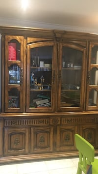 Brown wooden china cabinet Montréal, H2E 2Y7