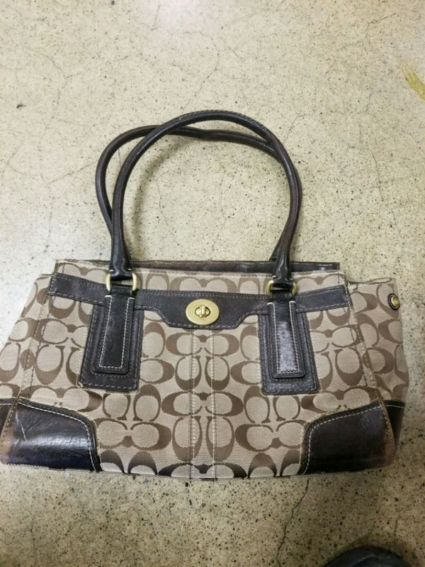 c00313a60a Used Authentic Coach Purse for sale in Mount Juliet - letgo