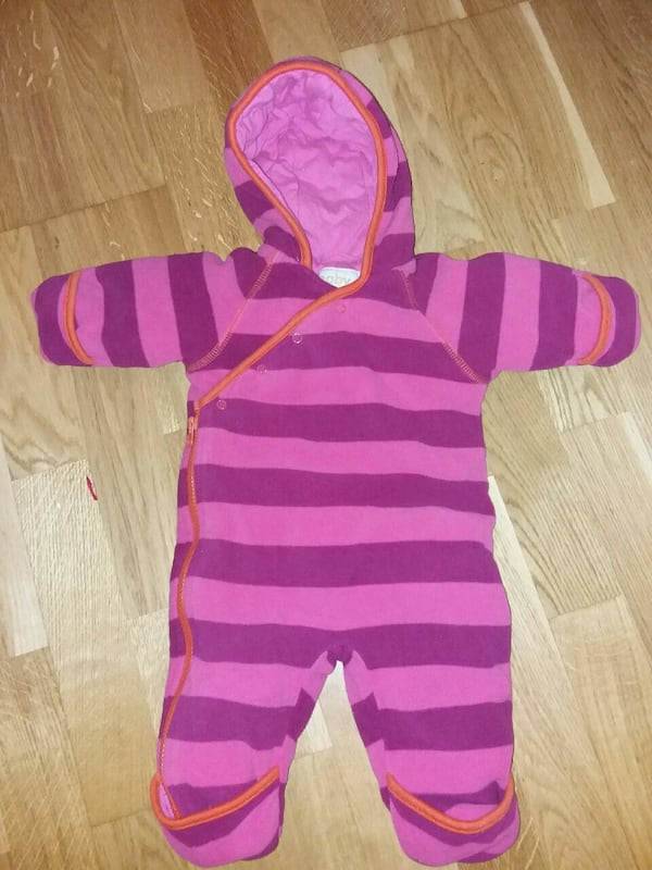 Fleece dress til baby str 62. 2903b7b0-0e69-40d9-9f1b-06bb87130a2f