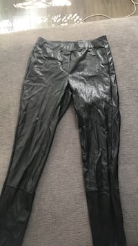 Aritzia leather leggings XS New Westminster, V3M 5C9