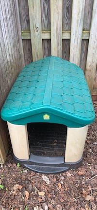 Outdoor plastic doghouse Sterling, 20165