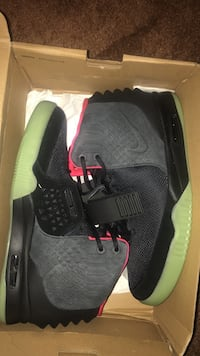 Air Yeezy 2 Solar Reds Woodbury, 08096