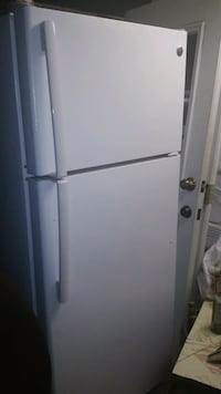 white top-mount refrigerator Riverside, 92507