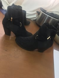 Pair of black leather chunky heeled booties Mississauga, L4Z 1J6
