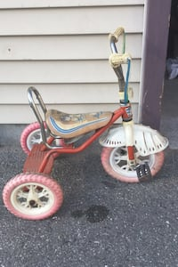 Toddler tricycle (girl)