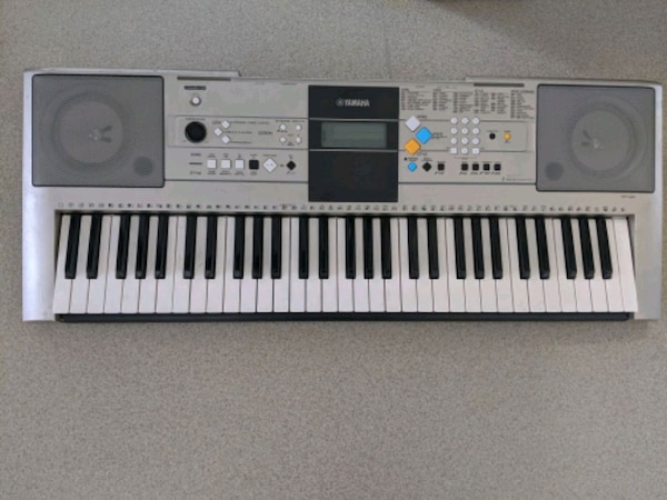 Yamaha Keyboard....YPT320.    Gently used and well loved Keyboard.  8d154996-3e2d-4dc2-8b1a-becde90ec8c5