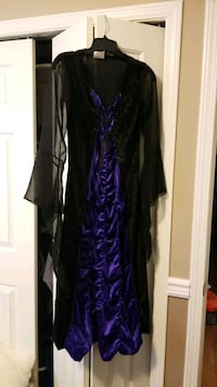Girl's Vampire Halloween costume size 10-12 Pitt Meadows, V3Y 1H4