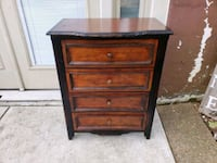 Chest / Small / Accent piece/table