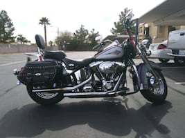 01 Heritage Softail Classic Purple and gray motorcycle