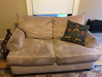 Gray suede 2-seat sofa Seattle, 98119