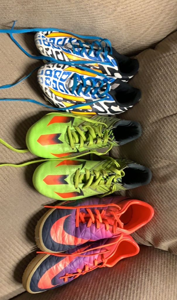 Photo Soccer cleats/indoor negotiable
