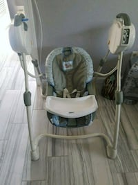 baby's gray and white swing chair Oakley, 94561