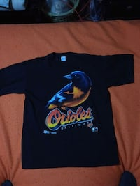 black and blue crew-neck shirt Guelph, N1H 5Y2