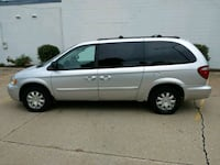 2005 Chrysler Town & Country Rock Island