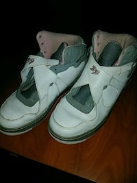 pair of white Air Jordan basketball shoes Valdosta, 31601