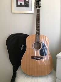 Brown and black dreadnought acoustic guitar with case Mississauga, L5R
