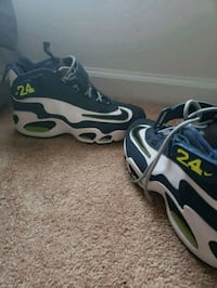 Nike air griffey max 1. Size 7y. MUST MEET UP  Huntersville, 28078