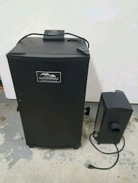 Masterbuilt Electric Smoker w/ Cold Smoker Attachment Sterling, 20165