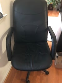 black leather office rolling chair Fairfax, 22030