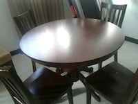 Dining table for 4 Windsor, N8T 3L2