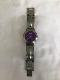 Like new Vintage ( STORM ) desert storm wrist watch. Needs a battery