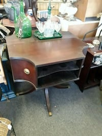 brown wooden single pedestal desk Odenton, 21113