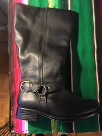 Black leather boots size 10 wide 717 km