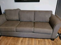 Couch in great condition Vancouver, 98682